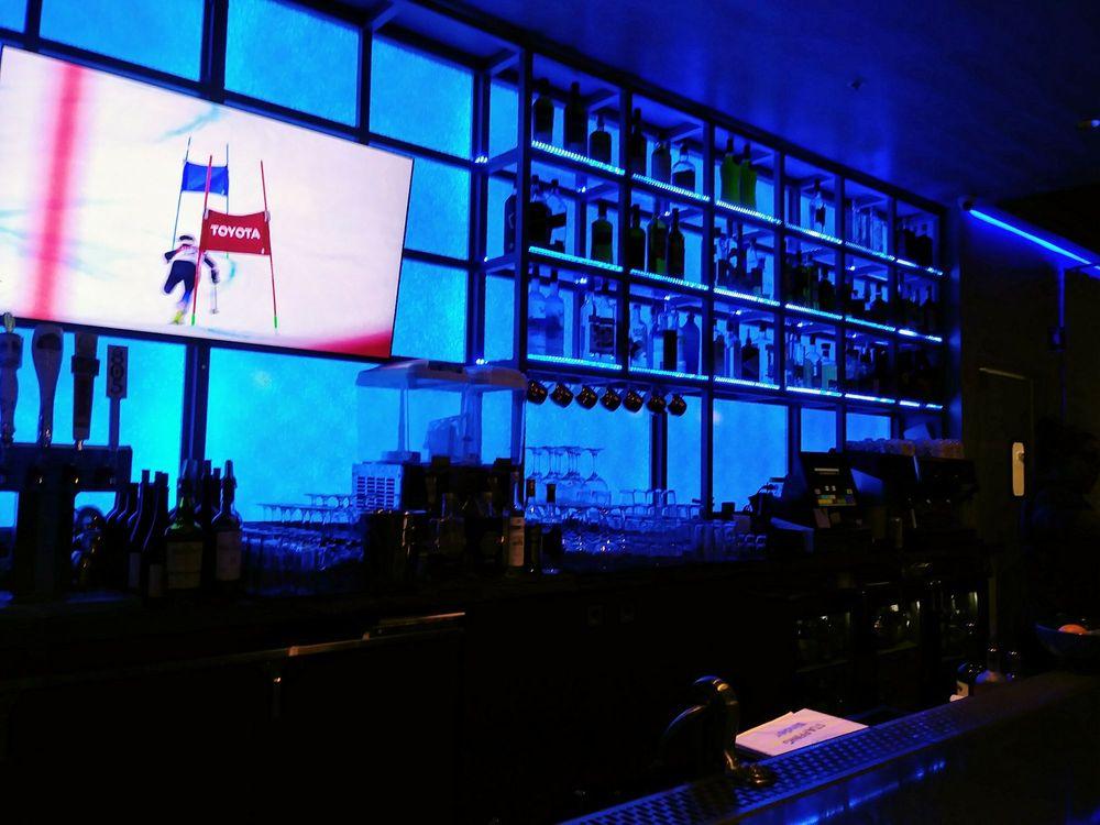 Tassos Restaurant & Bar