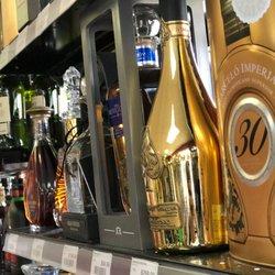 univercity-liquor-store-and-bar